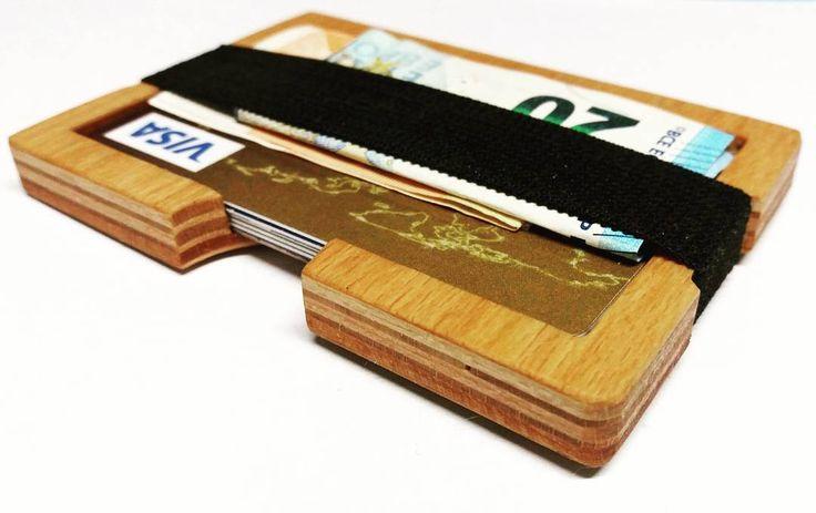 wooden wallet - holds 6 cards and some notes . . . . . #wood #holz #handarbeit #handicraft #austria #österreich #deko #dekoration #stpölten #handmade #design #disposition #geschenk #geschenksidee #giftidea #gift #holzundleidenschaft #woodart #personalisiert #personalized #stpoelten #stpölten #deco #decoration #handmadeintheeveryday #madeinaustria  #woodenwallet #cardholder
