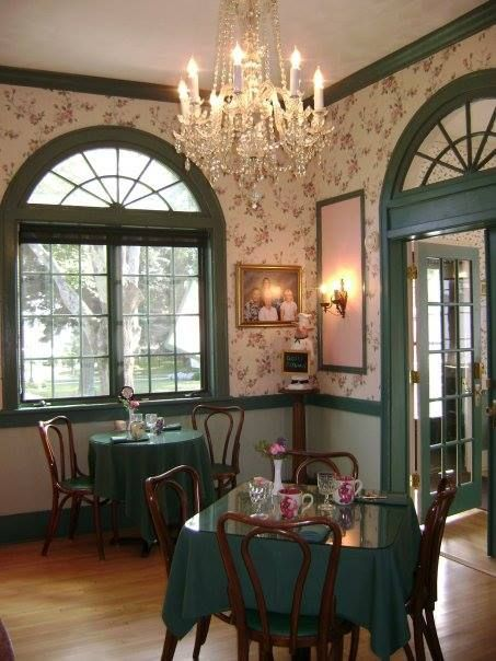 Victoria Resort Bed and Breakfast  South Haven Michigan   dining room. 515 best Bed and Breakfast Style and Cozy Inns    images on