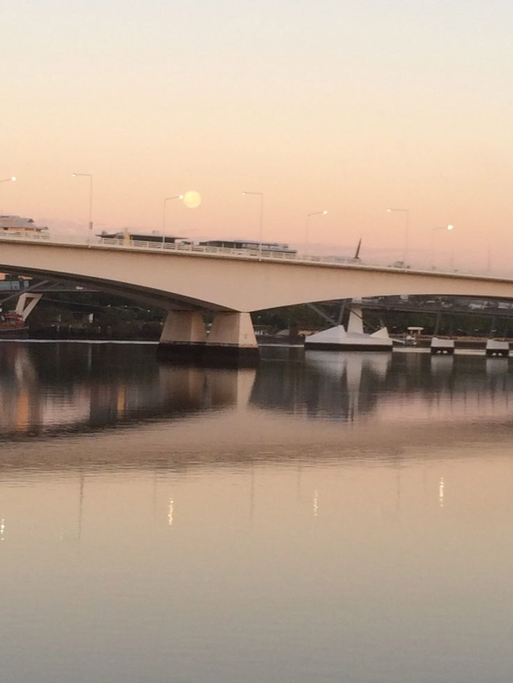 The South East Freeway over the Brisbane River at dawn.
