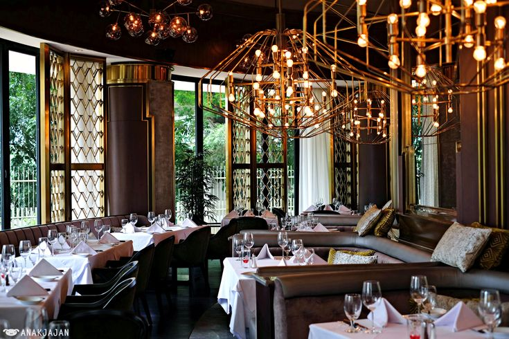 Originated from New Orleans, United States, Ruth's Chris is one of the famous…