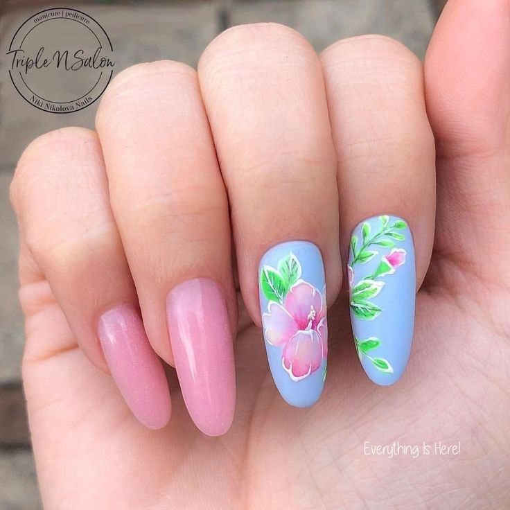 23 Flower Nail Designs for Spring Flower nail designs