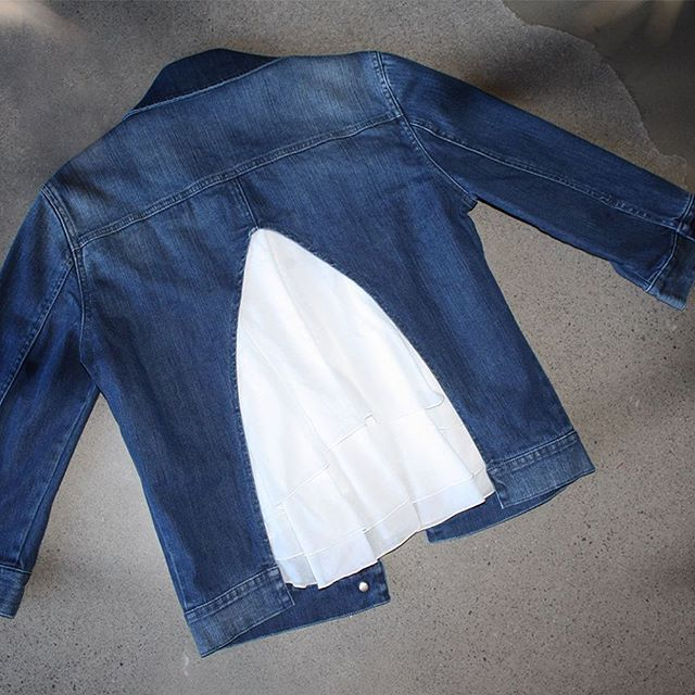 If you are in the market for a new denim jacket then look no further! This European Culture denim jacket is complete with a white frill insert  #shoponline #denim #denimjacket #nzboutique #nzfashion #etvoustyle #westendprecinct #bluedenim #musthave