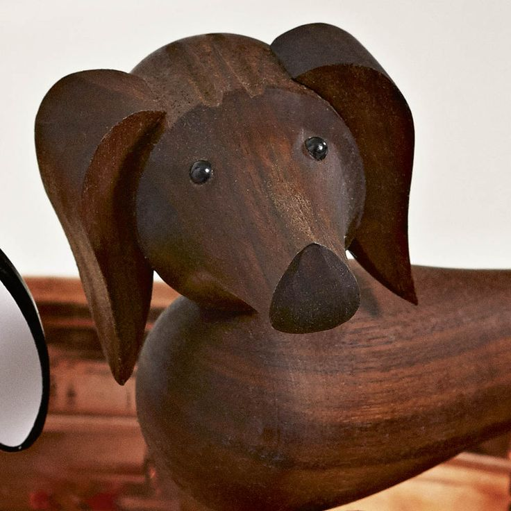 Kay Bojesen chien teckel figurine en noyer