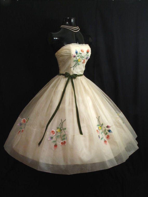 flower-child prom #dress #1950s #partydress #vintage #frock #retro #teadress #petticoat #romantic #feminine #fashion