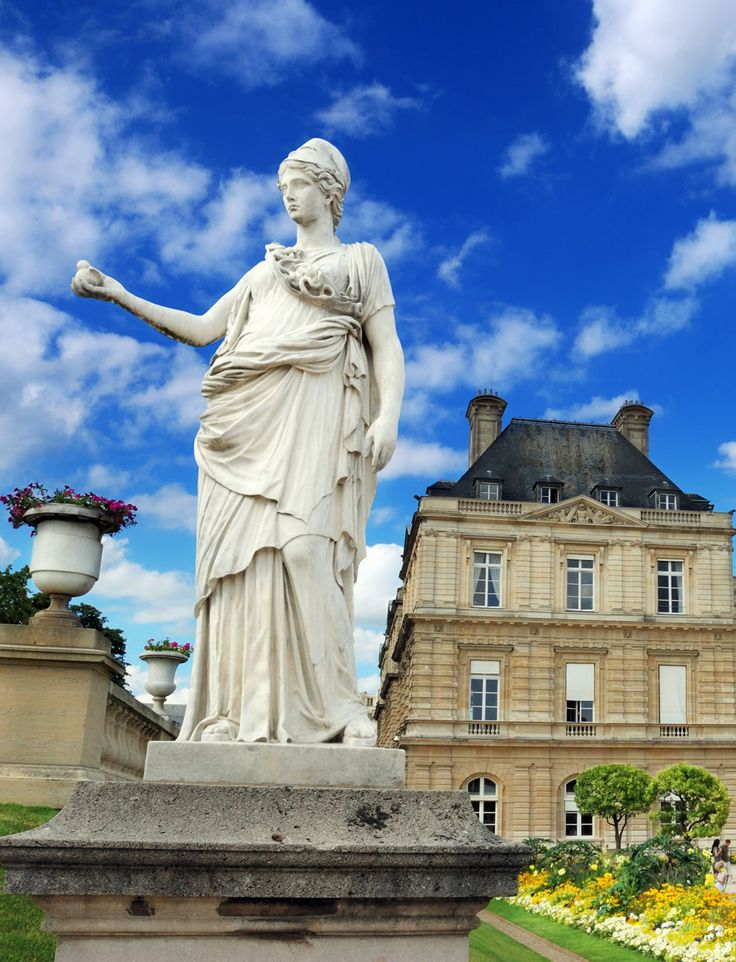 Amazing photography of cities and famous landmarks from for Chaise jardin du luxembourg