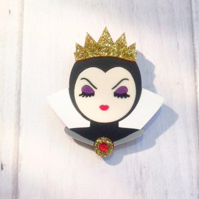 Villianeses part 1 - Wicked Queen brooch or pendant