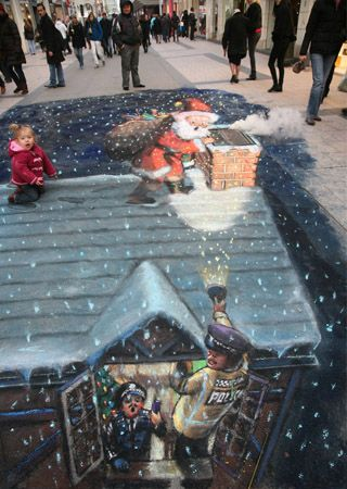 50 More Breathtaking 3d Street Art (paintings)  Santa Claus, London, England  Julian Beever, artist.: