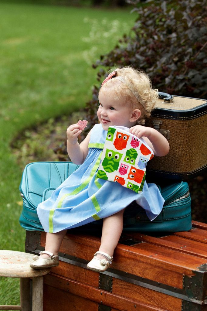 These reusable snack bags from @Itzy Ritzy reduce waste and are so adorable! #PNapproved: Diapers Bags, Bags Whales, Baby Gears, Itzi Ritzi Snacks, Baby Lilly, Happen Reuse Snacks, Reusable Snacks Bags, Snacks Bags Hoot Lifestyle, Snack Bags