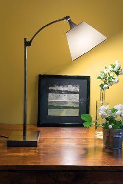 Lampe de table L116 avec bras courbe et articulé bronze patiné Socle carré, abat-jour conique en schintz blanc et orientable - Casadisagne  #lightings #luminaire #bronze #interiordesign