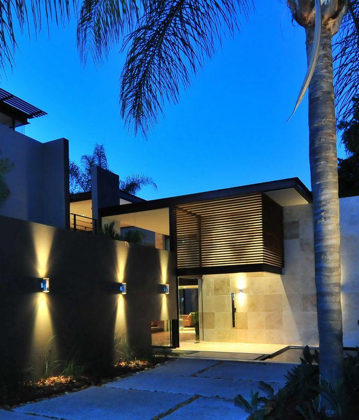 Grand Modern Entrance