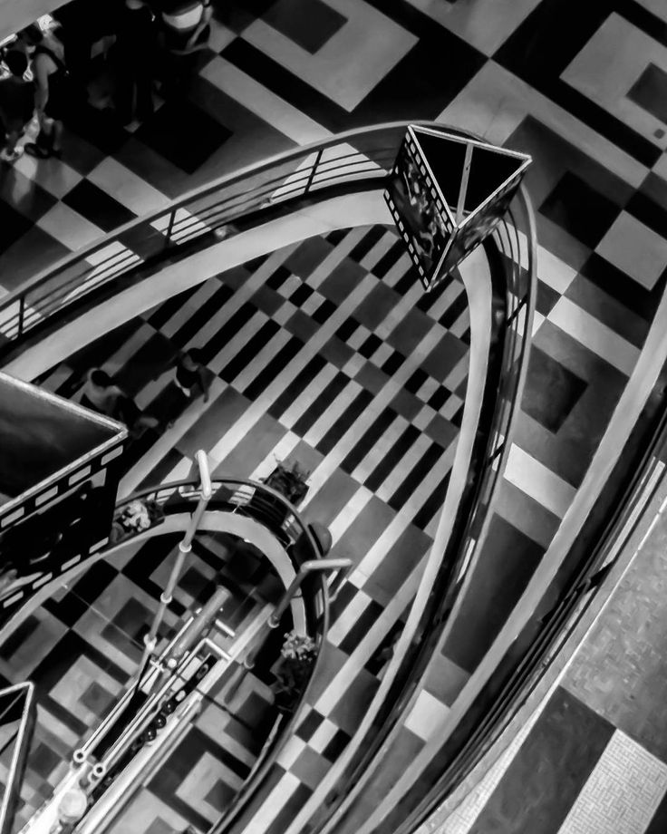 Grandes Galerias | Alfredo Mathias Galeria do Rock #percepcao_urbana #urbanismo…