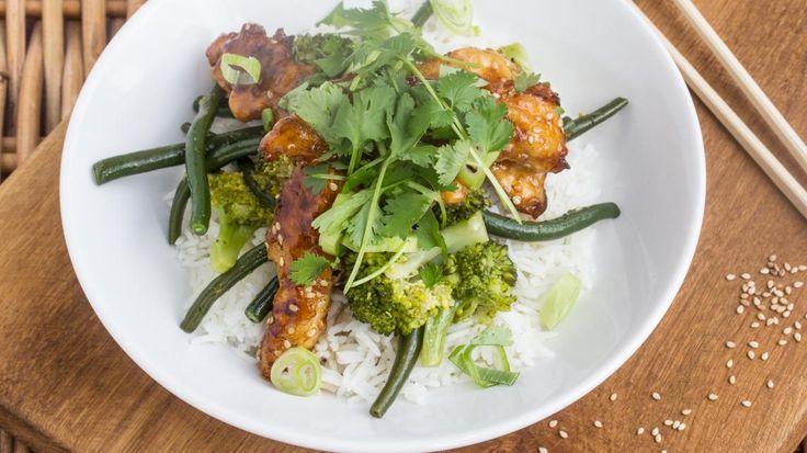 Aziatische kip met honing, rijst en broccoli | VTM Koken
