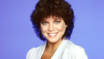 """Erin Moran. actress, 56 Oct. 18, 1960 — April 22, 2017) She was best known for her role as Joanie, the freckle-faced little sister of Richie Cunningham, played by Ron Howard, on the hit show 'Happy Days.' Her spinoff sitcom """"Joanie Loves Chachi"""" co-starring Scott Baio was cancelled in 1983 after 17 episodes. Moran's TV credits also included """"The Love Boat,"""" """"Murder, She Wrote"""" and """"The Bold and the Beautiful."""