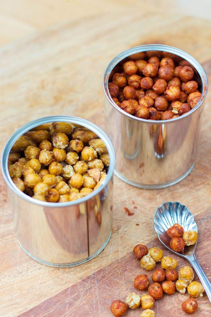 Deze knapperige kikkererwtensnack is zowel door de volwassenen als door de kinderen goedgekeurd. Ideaal en heel, heel makkelijk.