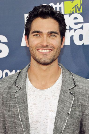 "Tyler Hoechlin To Star As ""Batman"" Opposite Henry Cavill's 'Superman'!?? [Details HERE!] (josalynmonet.com)"