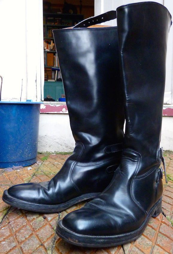 LEATHER GOLDTOP TROPHY 76/UL MOTORCYCLE BIKER BOOTS. SIZE 10/44. MADE IN ENGLAND