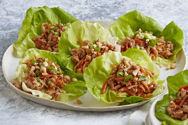 These Easy Chicken Lettuce Wraps are great for entertaining. They are quick and easy appetizers that your guests are sure to love.