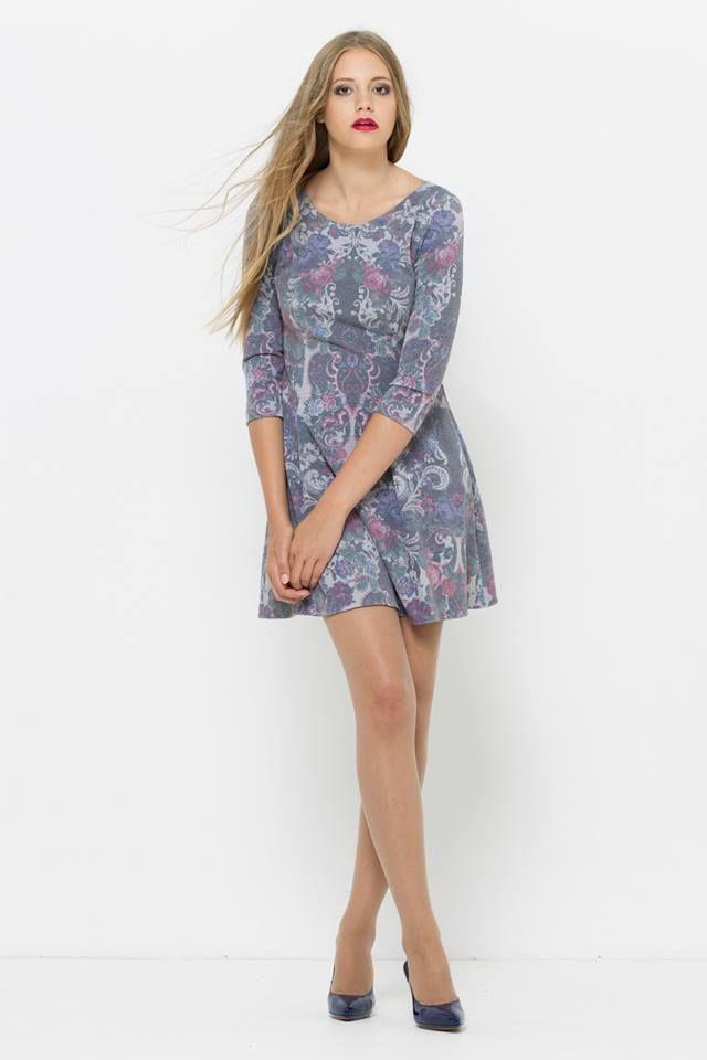 sukienka w pastelowe kwiaty od VISSAVI