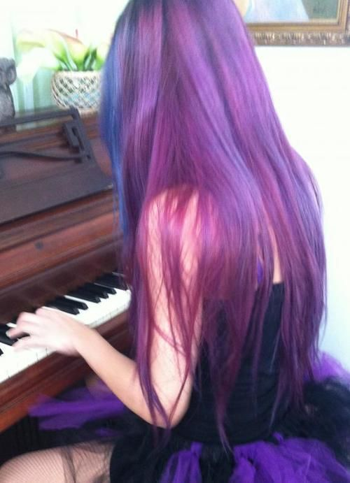 Love the purple part of her hair