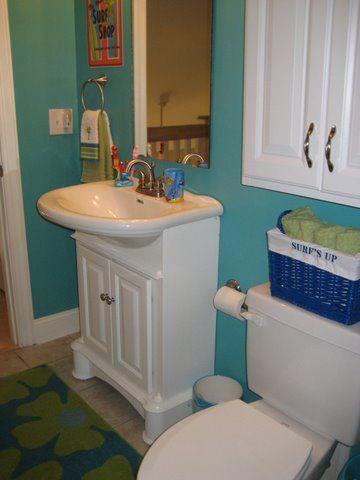 Best 25 Small Bathroom Paint Ideas On Pinterest Small