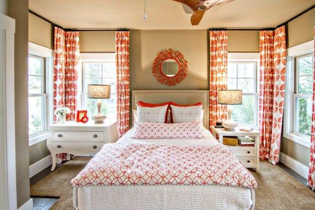 schlafzimmer vorhänge bunt  weiß koralle gemustert
