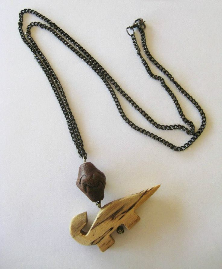Long necklace with wooden animal