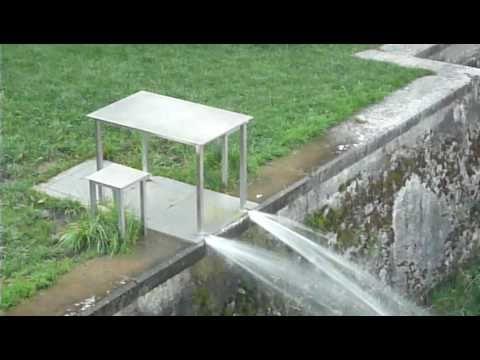 "Roman Signer ""Tisch"" - YouTube"