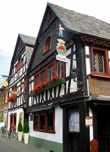 Kurpfälzische Münze - Cute details.Bacharach,Germany #travel