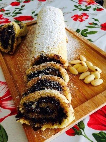 La cucina pasticciona: Rotolo alla Nutella Vegan e mandorle!!!