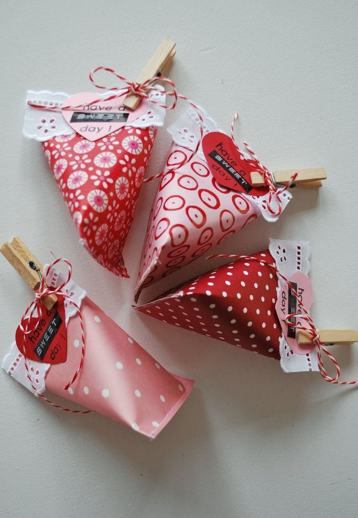 折り紙と両面テープでDIY♪かわいいテトラ型のバレンタインラッピングを作っちゃおう☆