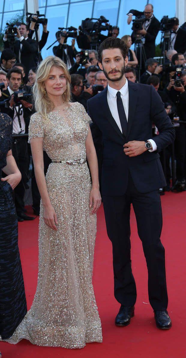 Mélanie Laurent et Pierre Niney complices sur le red carpet