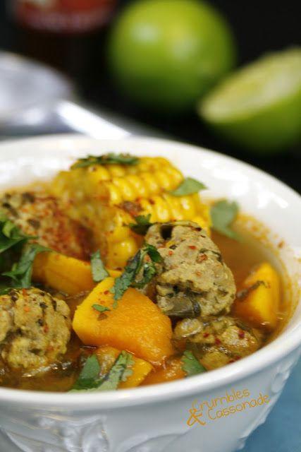 Soupe d'inspiration mexicaine aux boulettes de viande, coriandre, citron et salsa chipotle - Mexican-style soup