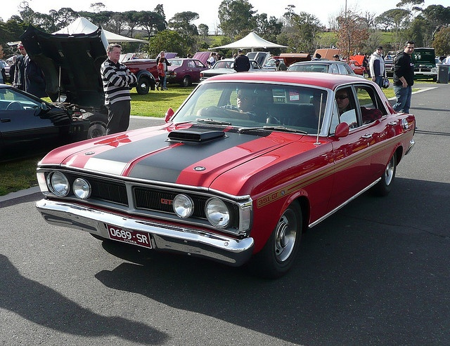 70-71 Ford Falcon XY GT. Looks like a zoomin' family car.