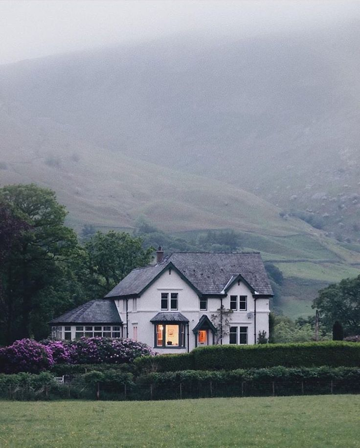 • Lake District (@renegade_rural) – #cottage #District #Lake #renegaderural – Theresa
