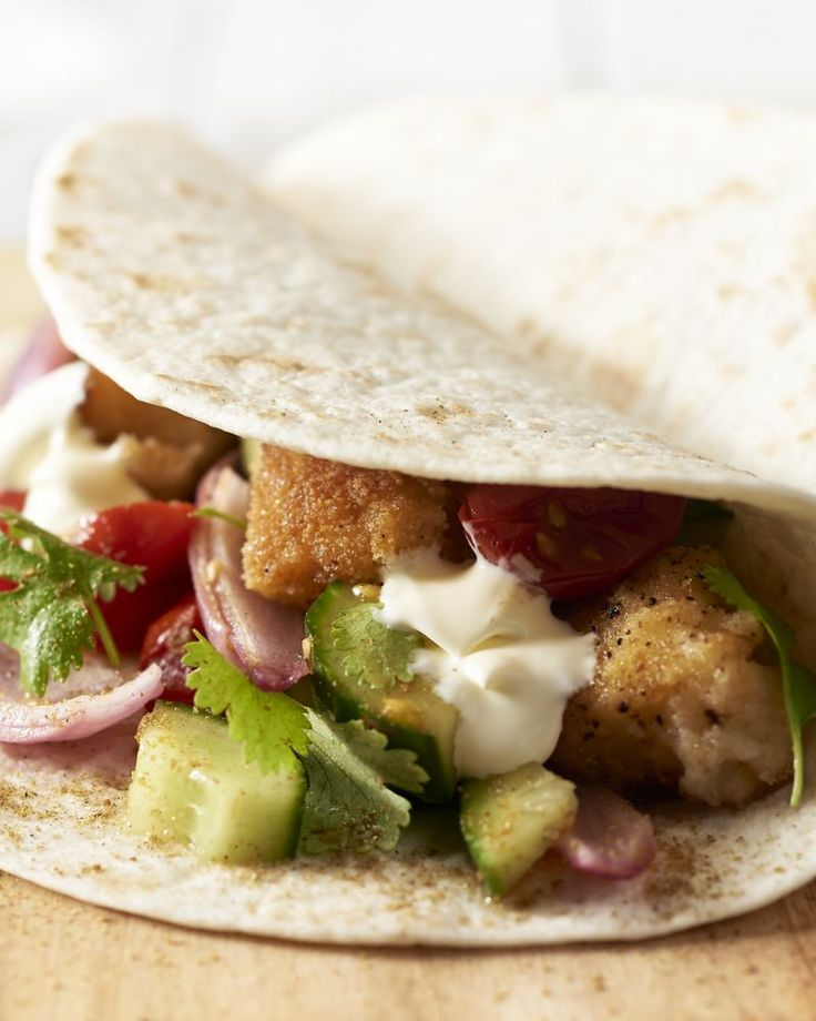 We maken taco's met lekkere visnuggets met een pittig en krokant korstje met daarbij een geroosterde tomatensalsa, die barst van smaken.