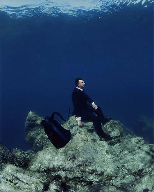 gravity defying photo - Rational exploration of the Undersea: The break, 2006. Philipp Ramette