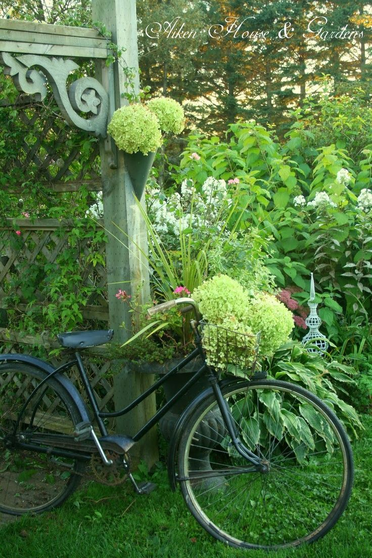 485 best Bikes with Flowers images on Pinterest | Vintage bicycles ...