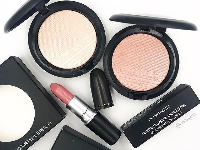 @maccosmetics haul🙌🏼 • • • • • #mac #maccosmetics #macjunkies #makeuplife #makeuptalk #makeupcollection #allthingsbeauty #beautyaddict #mrslanglam #instaglam #makeuphaul #popular #picoftheday #vegas_nay #fakeupfix #love #bbloggerau #beautyblogger #cosmetics #beauty #ultabeauty #peachyqueenblog #sephora #vibrouge #hypnaughtymakeup #makeupmafia #instabeautyau #wakeupandmakeup #highlighter #lotd