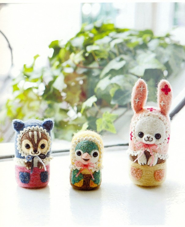 《Felt Wool Matryoshka Doll in Themes》- Japanese craft book