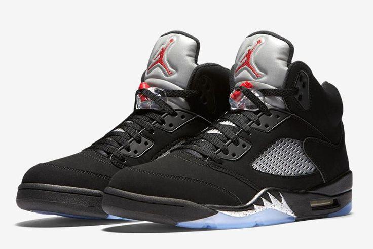 """La Air Jordan 5 """"Metallic Silver"""" sera la toute première chaussure de la marque à rendre hommage aux Jeux Olympiques - bien que sa maison mère Nike ait..."""