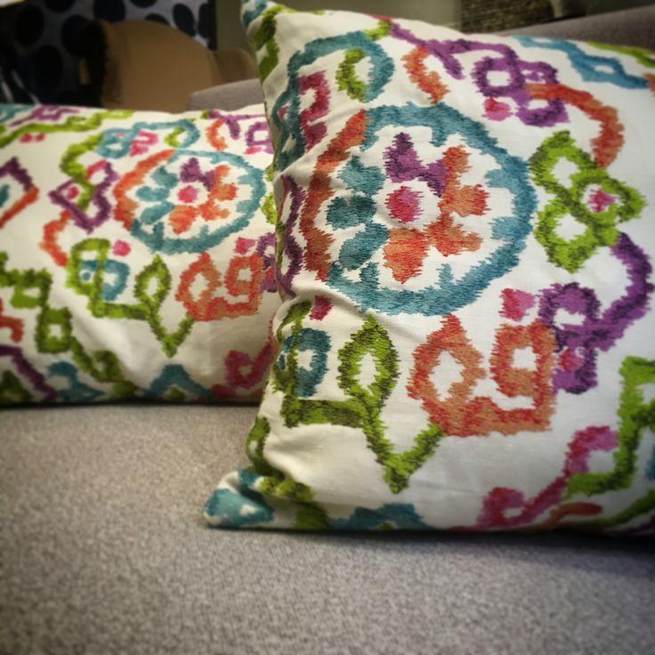Puppy @ Ontario Fabrics: Explosió de colors! / Explosión de colores! #bordado #geometrico #multicolor #brodat #geometric #puppy #ontario #fabrics