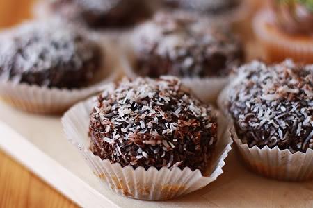 Australia Day - lamington patty cakes
