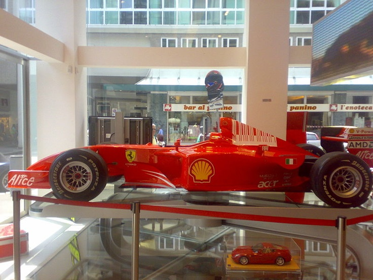 My Online Stores Finder worldwide http://www.shoppingintheworld.com . New store FERRARI STORE on page For young people USA 2