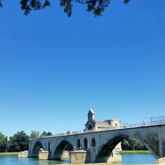 Pont Saint-Benezet...sur le pont d'Avignon  #provenza #francia