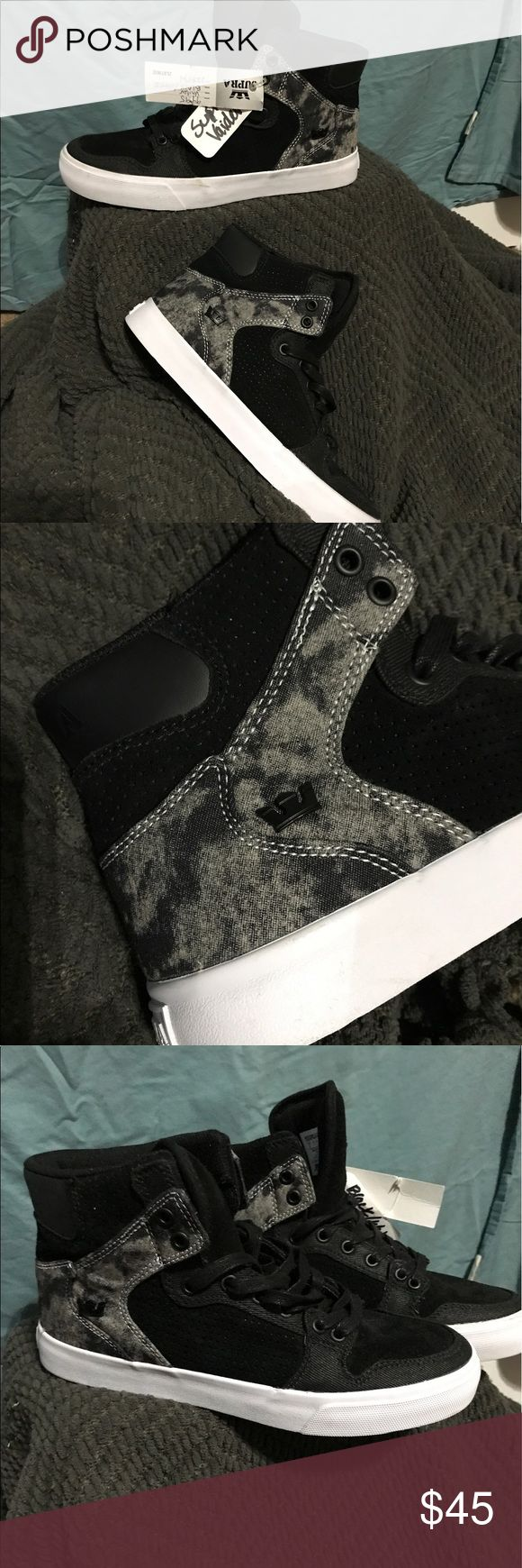 Supra vaider black/white Brand new never worn black and white Supra vaiders. Has slight markings on the white rubber due to storing them with other sneakers. Supra Shoes Sneakers