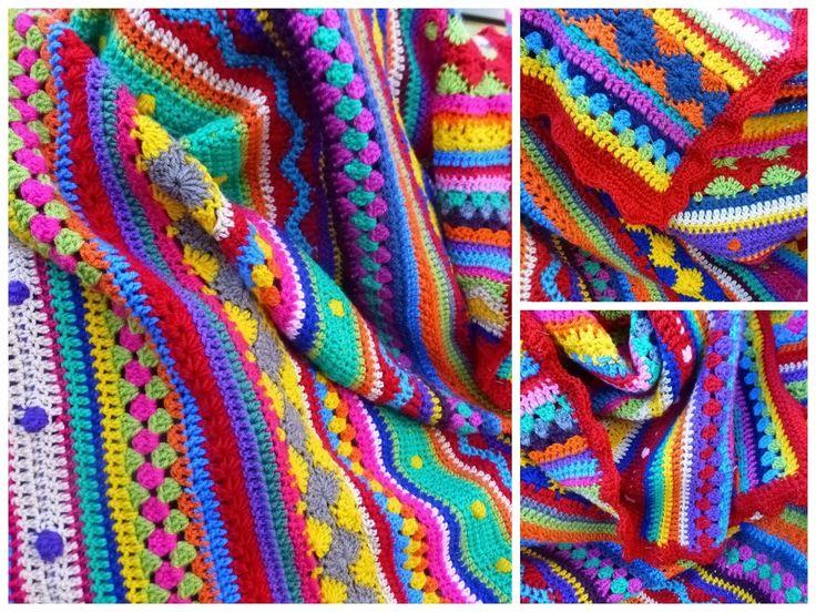 http://gratishaakpatronen.blogspot.nl/2012/06/mutsen-sjaals-ponchos-wanten.html sjaals en poncho's