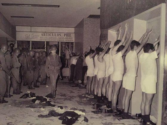 Tlatelolco: 11 fotografías que explican por qué el 2 de octubre de 1968 no se olvida | Verne México EL PAÍS