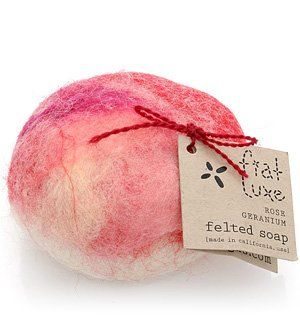 Ever wanted to learn how to make felted soap? Felted soaps are awesome and are not difficult to make at home. You can create an array of personal designs with all sorts of different kinds of soaps. Aside from making personalized and handcrafted soap bars, felted soaps has quite a few other added