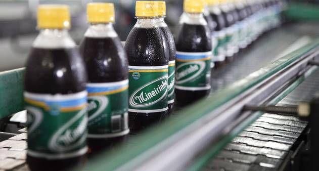 Refrigerante Mineirinho - Criada em 1940 em Ubá, bebida de Chapéu de Couro é fabricada há mais de trinta anos em São Gonçalo/RJ