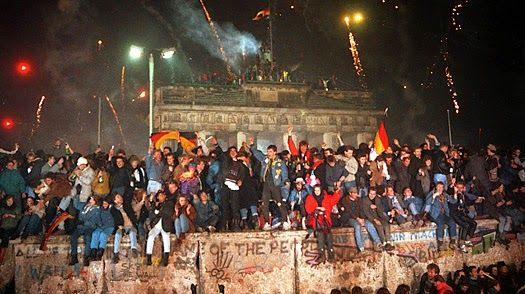 Learning English with Michelle: 25th Anniversary of Fall of the Berlin Wall